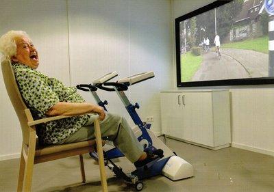 Actief - SilverFit Mile - Wandelen of fietsen op film voor mensen met dementie