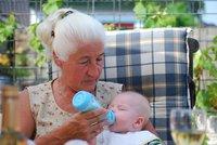 Op de kleinkinderen passen is goed voor de hersenen