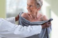 Tips voor persoonlijke hygiëne bij dementie: 'vergeten te wassen'