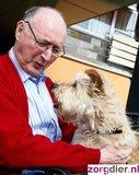 Advies en implementatie activiteiten- en therapieprogramma met huisdieren in zorginstellingen. Zorgdier._