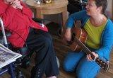 Angela's Muzikale Ont-Moeting bij Dementie - Spelenderwijsch_