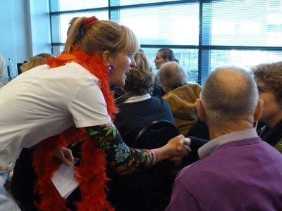 Interactieve Veder presentatie over beter contact maken met mensen met dementie