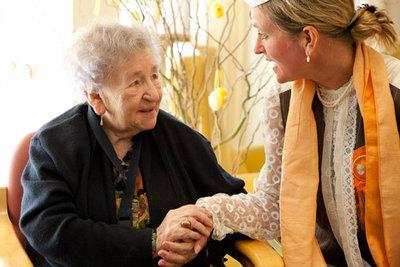 Huiskamervoorstelling voor mensen met dementie - Theater Veder