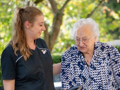 Contact van hart tot hart met mensen met dementie - Incompany Training voor zorgprofessionals - Stichting miMakkus